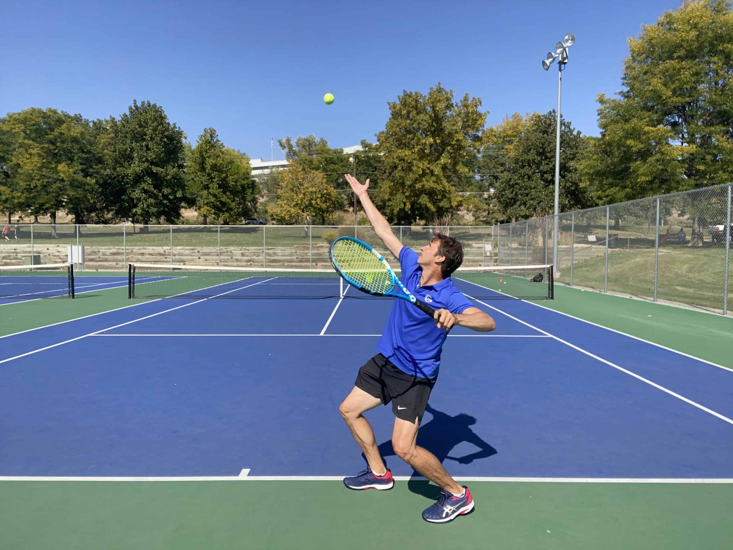 How to use the legs on your tennis serve