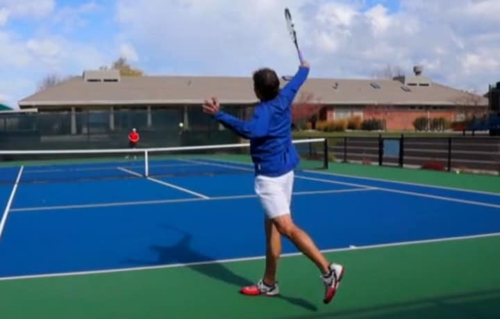 One handed backhand tip