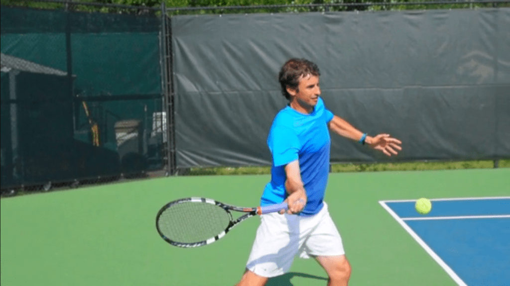 Perfect contact point on the topspin forehand