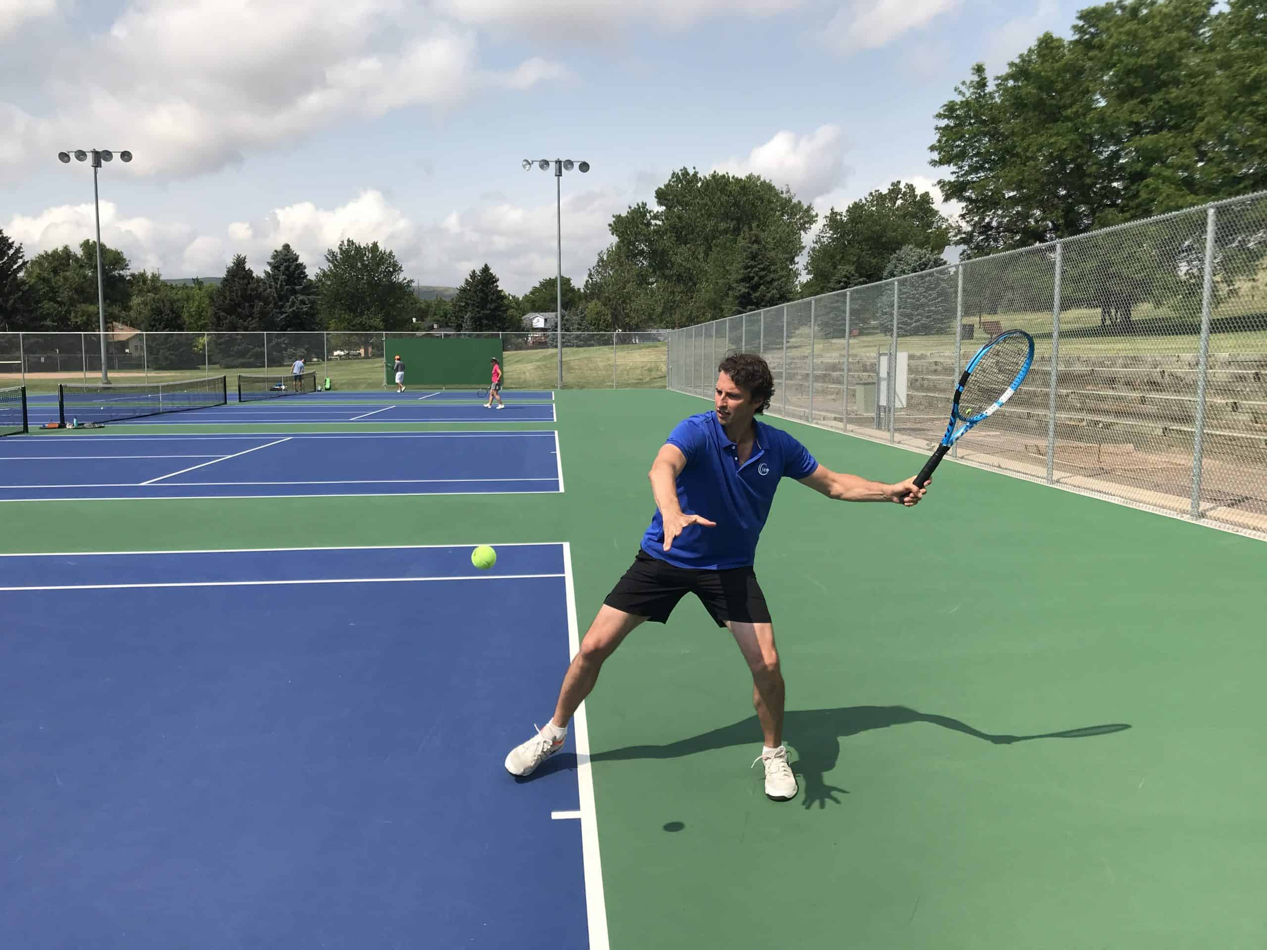 Tennis topspin forehand technique
